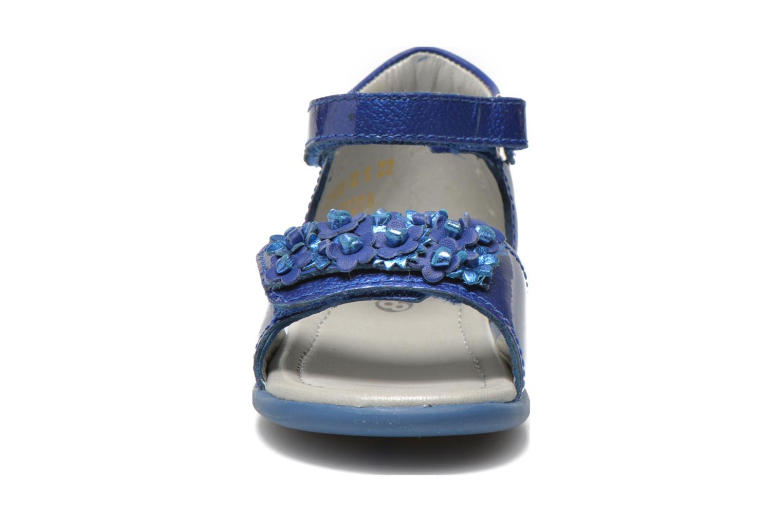 Sandales et nu-pieds Mod8 Gramy Bleu vue portées chaussures