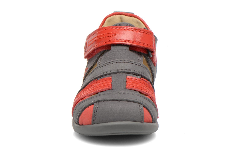 Sandales et nu-pieds Mod8 Louis Gris vue portées chaussures