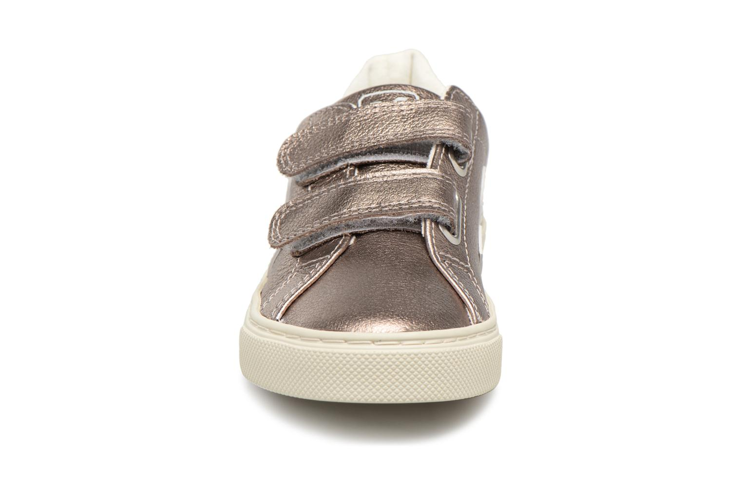Trainers Veja Esplar Small Velcro Bronze and Gold model view