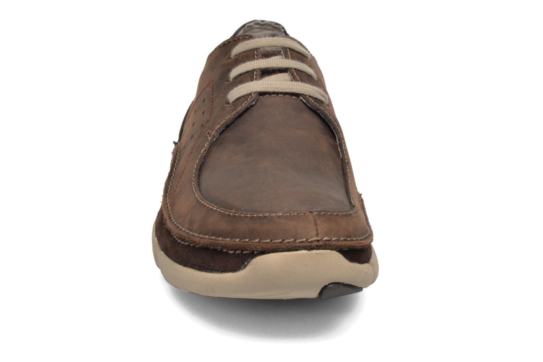 Chaussures à lacets Clarks Trikeyon Fly Marron vue portées chaussures