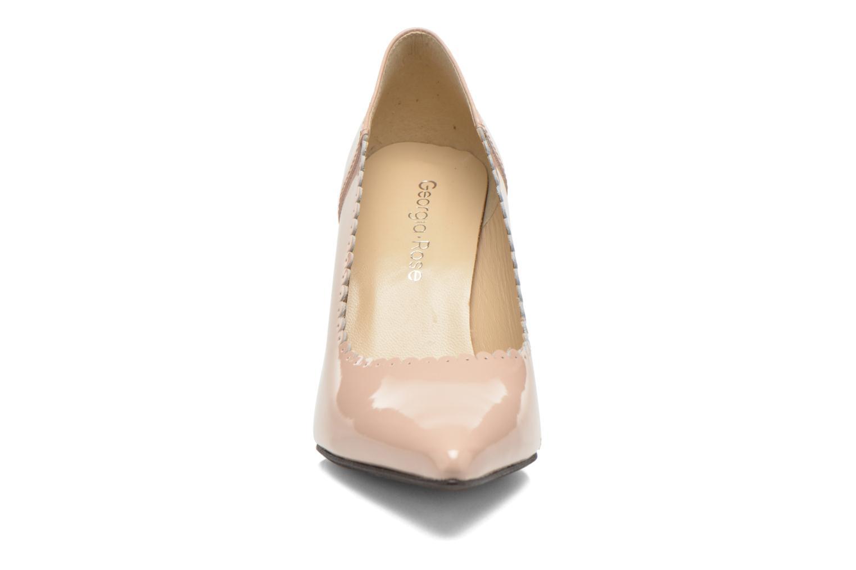 Zapatos de tacón Georgia Rose Safecto Beige vista del modelo