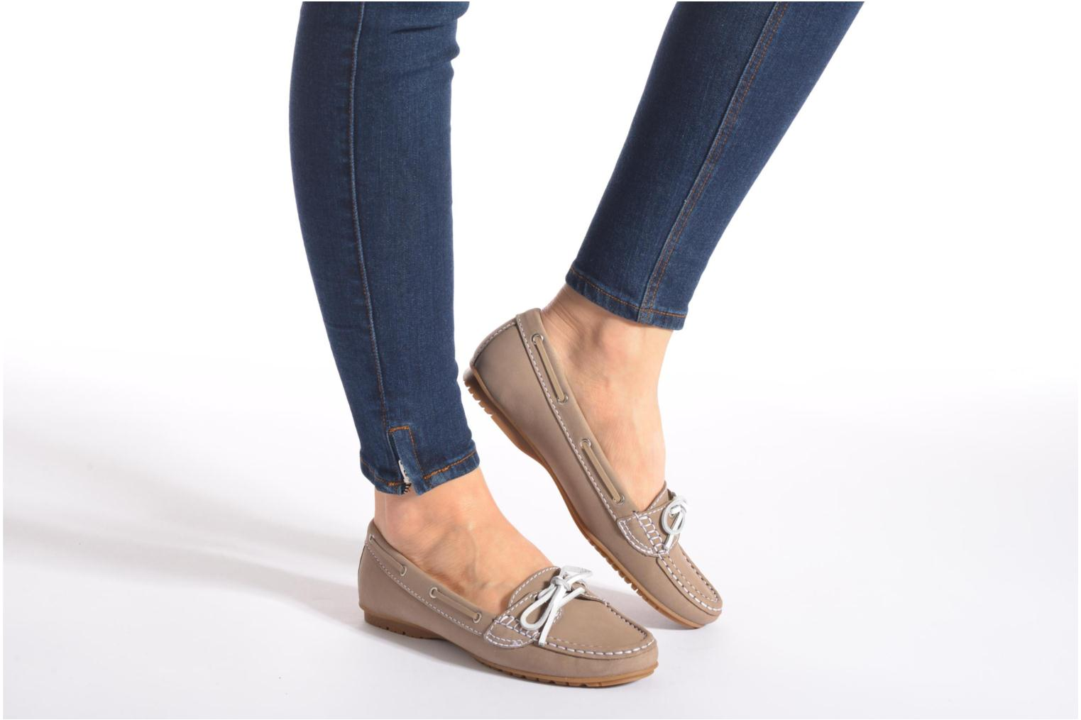 Loafers Sebago Meriden Two eye Beige view from underneath / model view