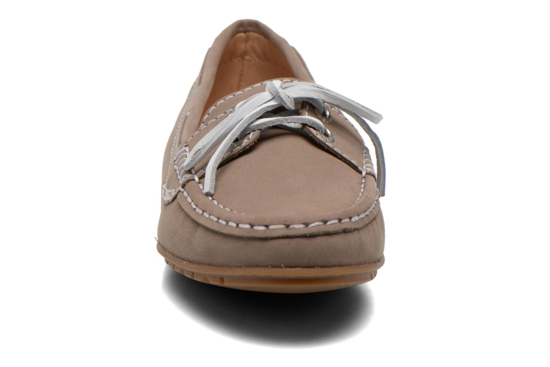 Mocassins Sebago Meriden Two eye Beige vue portées chaussures