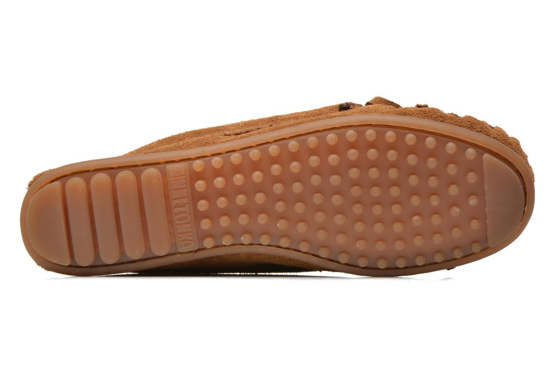 Loafers Minnetonka Me to We moc Brun bild från ovan