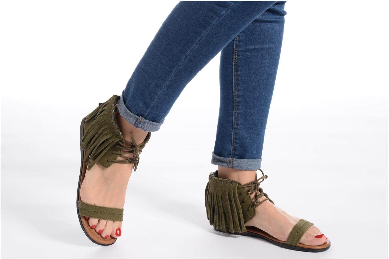 Sandales et nu-pieds Minnetonka Havana Noir vue bas / vue portée sac