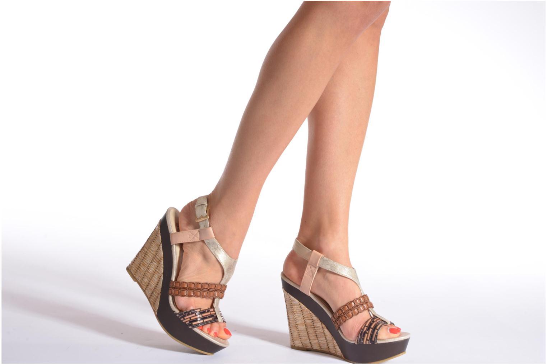 Sandales et nu-pieds Bullboxer Solario Multicolore vue bas / vue portée sac