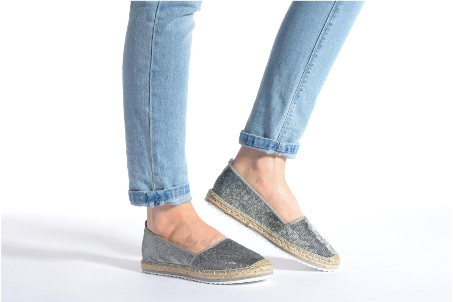 Espadrilles Bullboxer Fedumi Silver view from underneath / model view