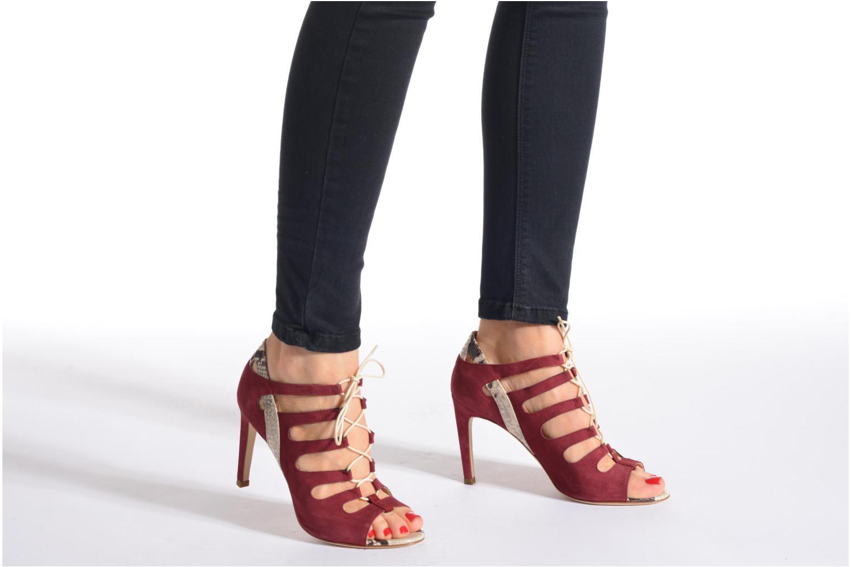 Sandales et nu-pieds Rebecca Balducci Mathilda Bordeaux vue bas / vue portée sac