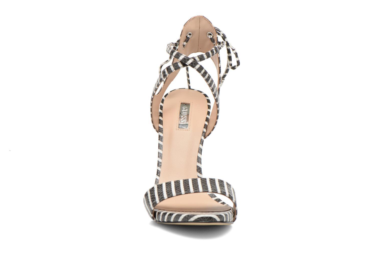 Sandalen Guess Alisse mehrfarbig schuhe getragen