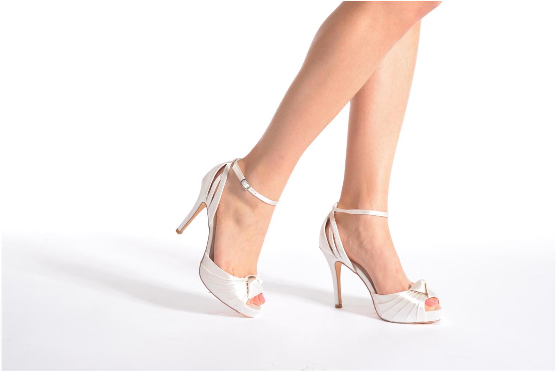 Sandales et nu-pieds Menbur Amelia Blanc vue bas / vue portée sac