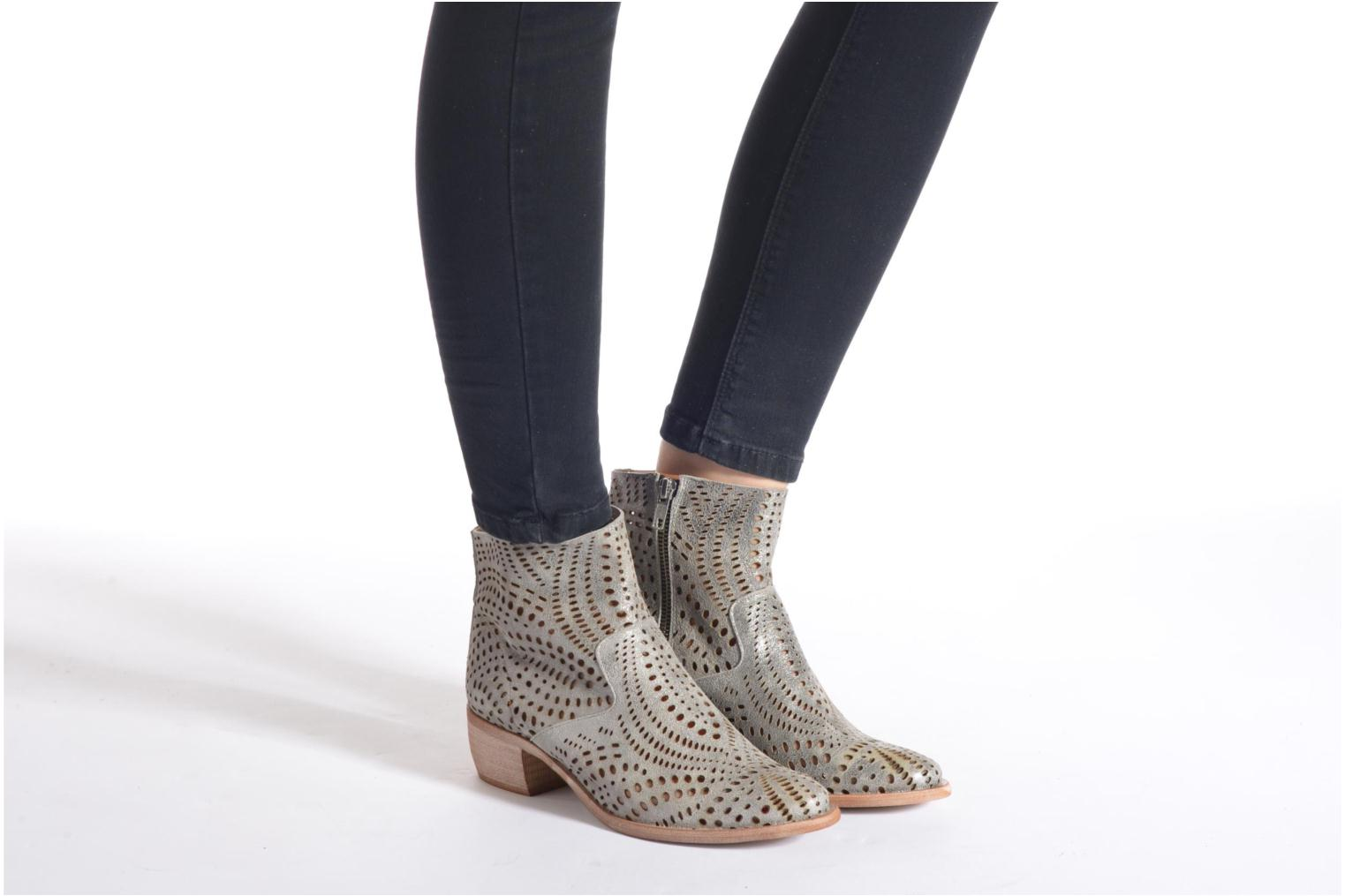 Ankle boots Karston Fun Silver view from underneath / model view