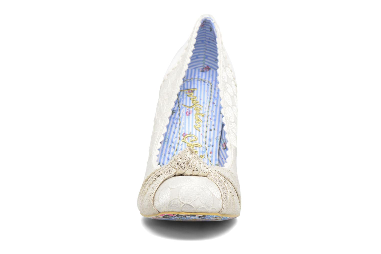 Escarpins Irregular Choice Smartie Pants Beige vue portées chaussures