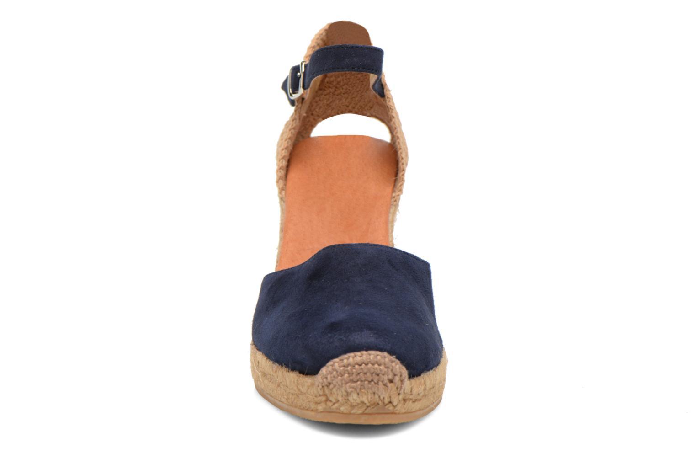 Sandales et nu-pieds Georgia Rose Iponiki Bleu vue portées chaussures