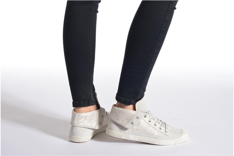 Sneaker Pataugas Bandit/GU weiß ansicht von unten / tasche getragen