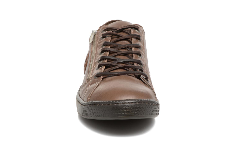 Baskets Pataugas Jay/N Marron vue portées chaussures