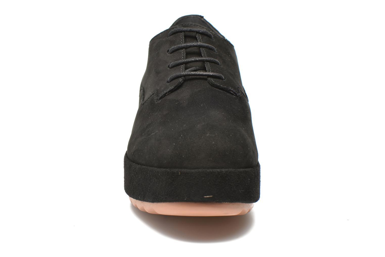 Schnürschuhe Camper Dessa K200084 schwarz schuhe getragen