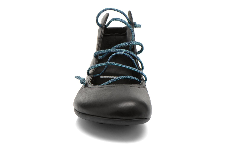 Ballerines Camper Peuu 46256 Noir vue portées chaussures