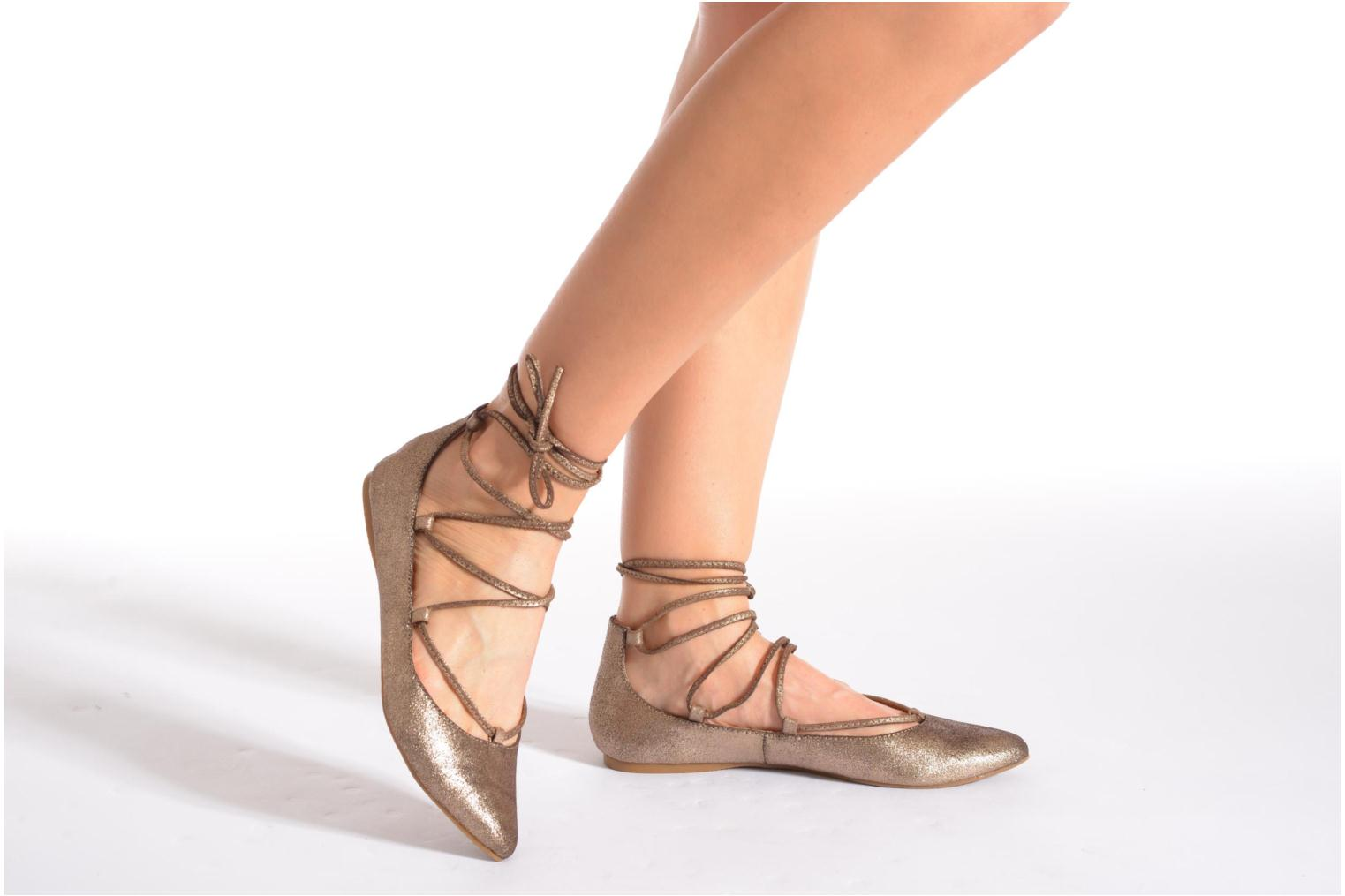Ballet pumps Steve Madden ELEANORR Bronze and Gold view from underneath / model view