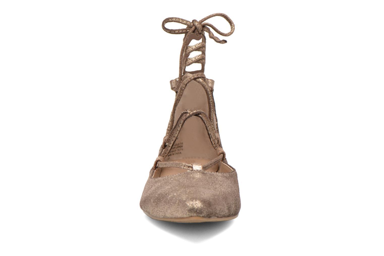 Ballerines Steve Madden ELEANORR Or et bronze vue portées chaussures