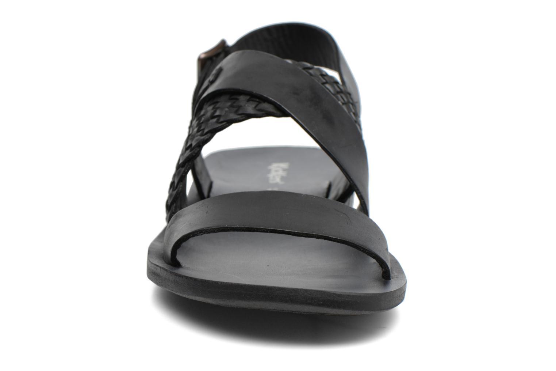Sandales et nu-pieds Kickers MARVEUS Noir vue portées chaussures