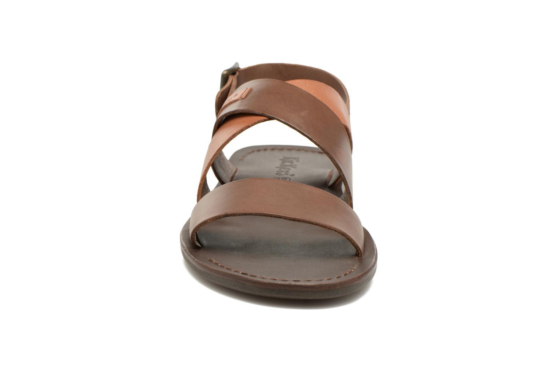 Sandales et nu-pieds Kickers MARVEUS Marron vue portées chaussures