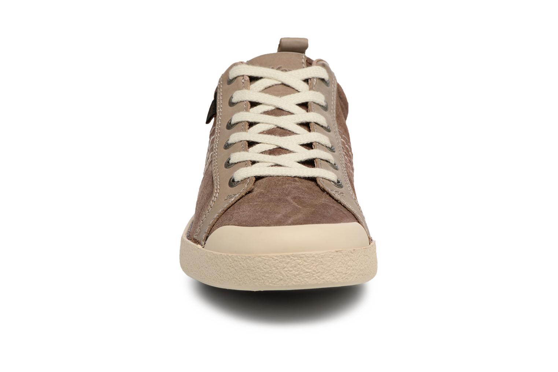 Baskets Kickers TRIDENT Marron vue portées chaussures