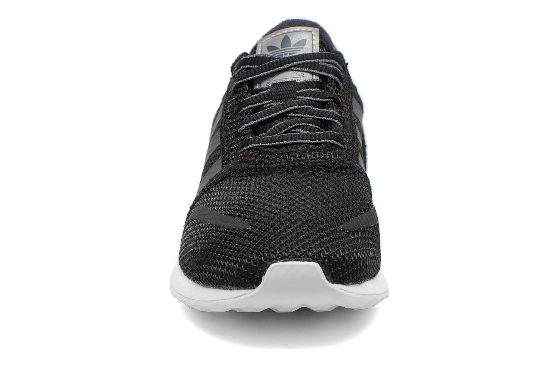 Deportivas Adidas Originals Los Angeles K Negro vista del modelo