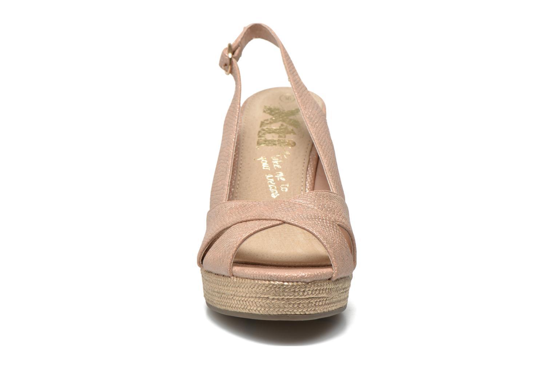 Sandales et nu-pieds Xti Ginger 45944 Rose vue portées chaussures