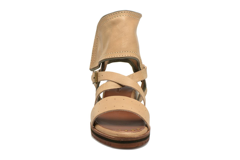 Sandalen Kickers Casertyn Beige model