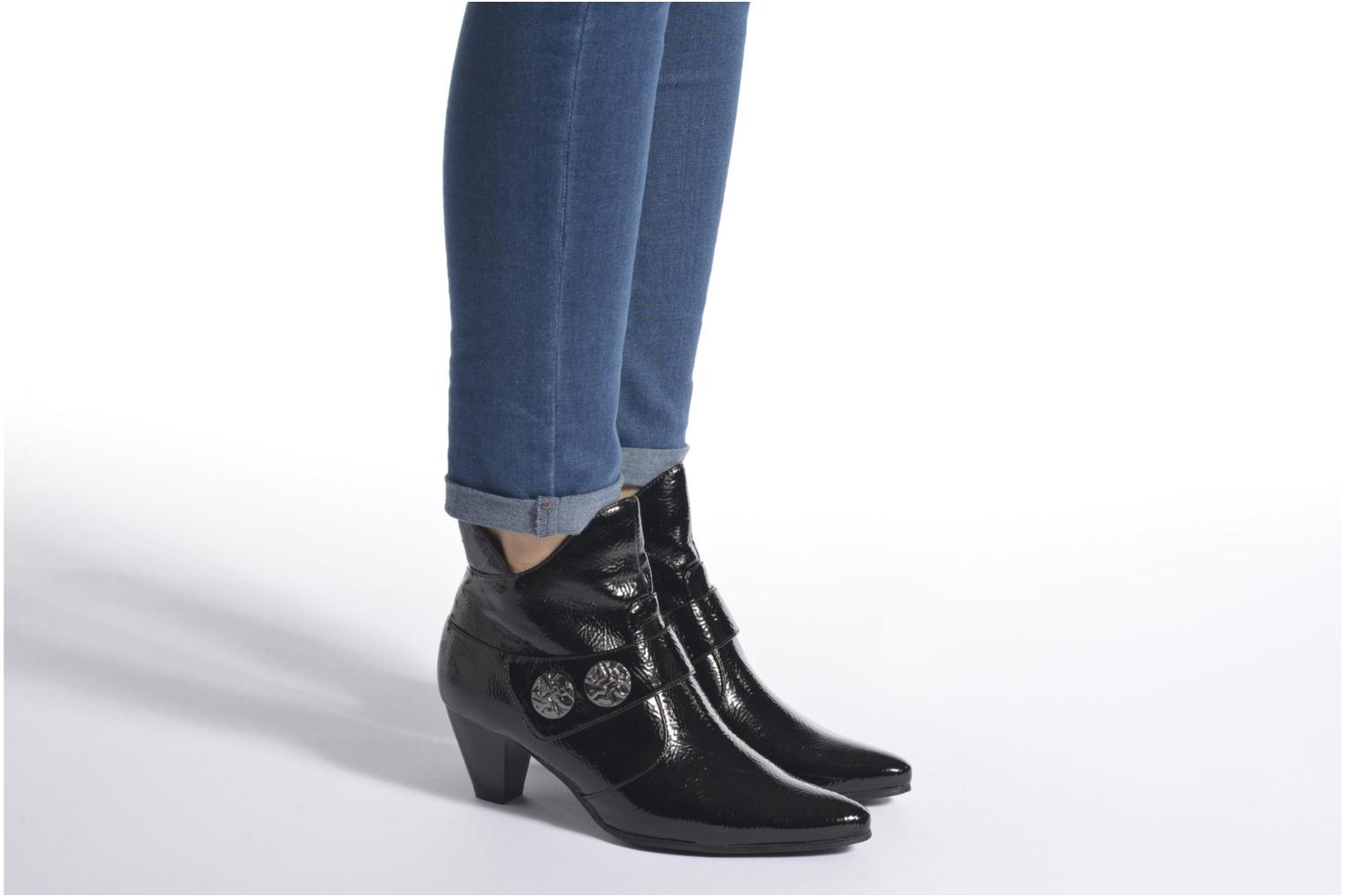 Ankle boots Enza Nucci Maeva Black view from underneath / model view