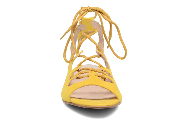 Sandalen Georgia Rose Gilize gelb schuhe getragen