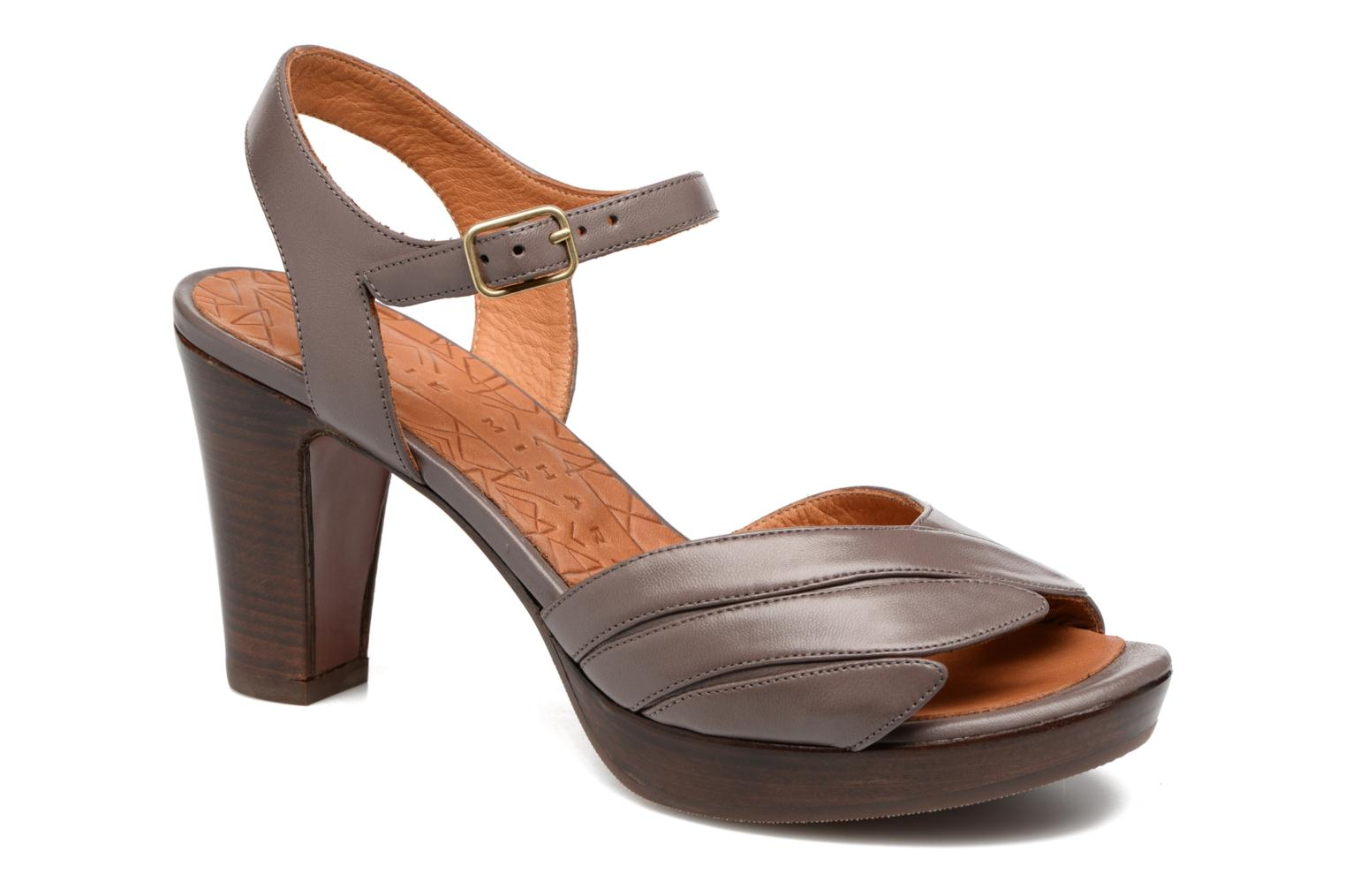 Sandals Chie Mihara Jantra Brown detailed view/ Pair view