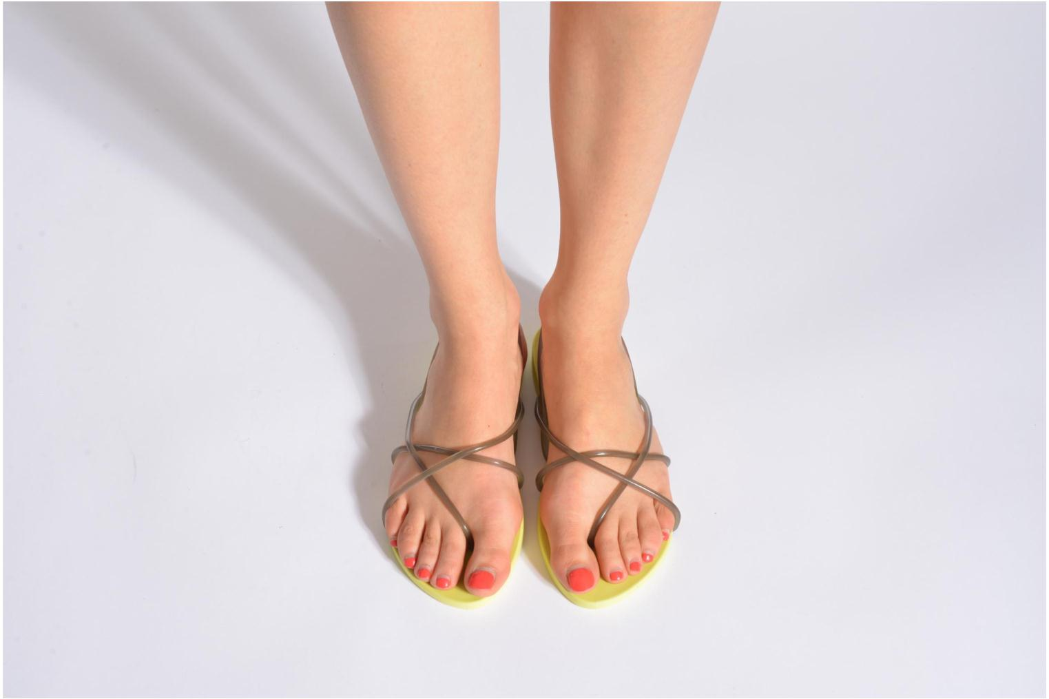 Sandals Ipanema Philippe Starck Thing G Fem White view from underneath / model view