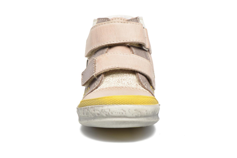 Bottines et boots GBB Medard Beige vue portées chaussures