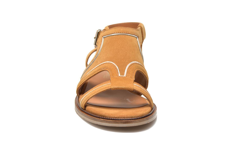Sandales et nu-pieds Mellow Yellow Vilma Beige vue portées chaussures