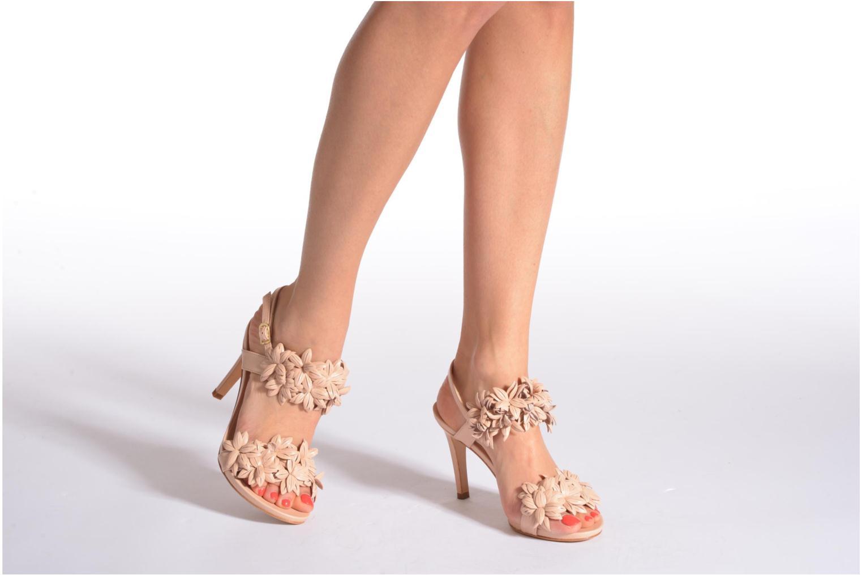 Sandales et nu-pieds COSMOPARIS Malali Beige vue bas / vue portée sac