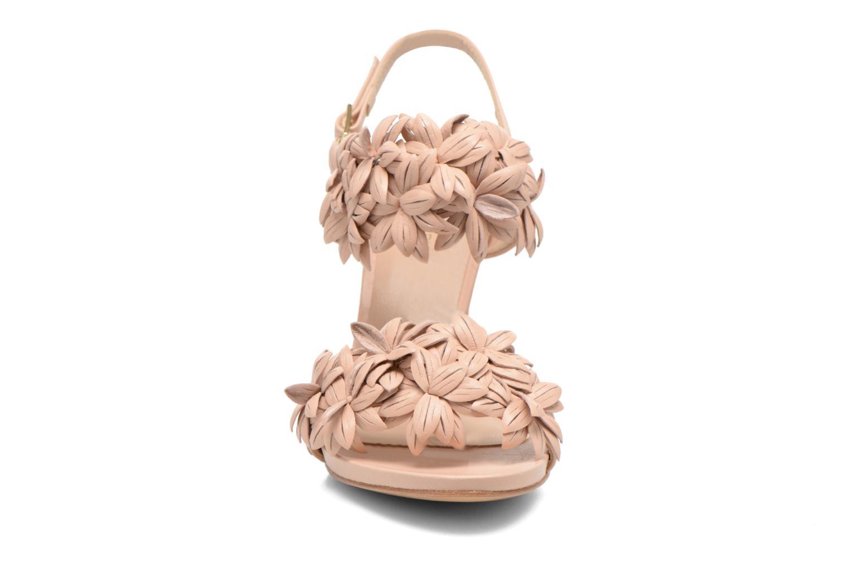 Sandalen COSMOPARIS Malali beige schuhe getragen
