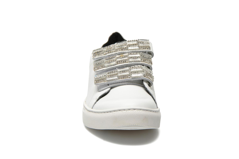 Baskets COSMOPARIS Emi Blanc vue portées chaussures