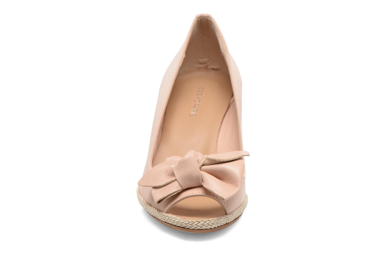 Zapatos de tacón COSMOPARIS Moana Rosa vista del modelo