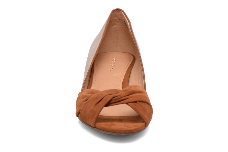 Escarpins COSMOPARIS Ataya/bi Marron vue portées chaussures