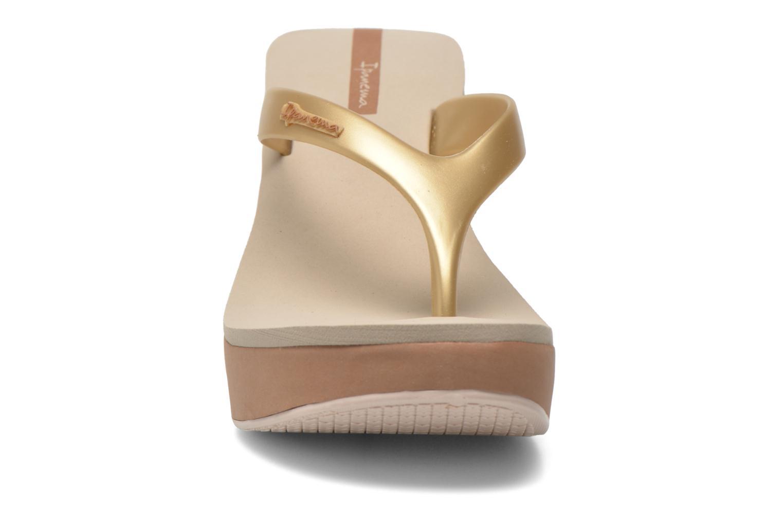 Tongs Ipanema Lipstick Thong Beige vue portées chaussures