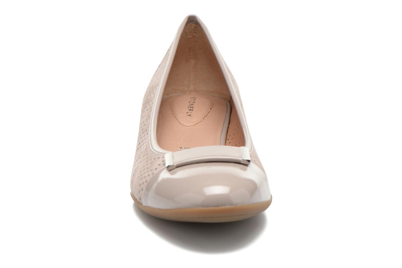 Zapatos de tacón Stonefly Maggie II 2 Beige vista del modelo
