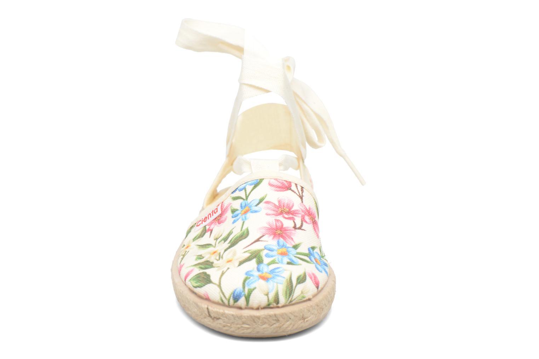 Sandals Cienta Alicia White model view