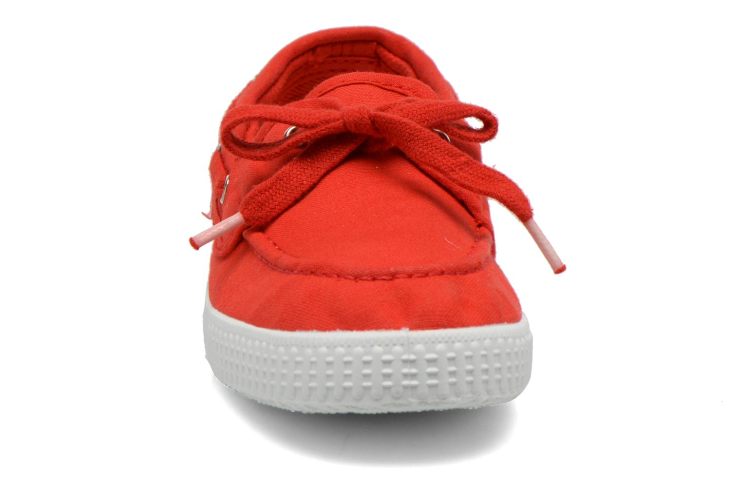 Lace-up shoes Cienta Martino Red model view