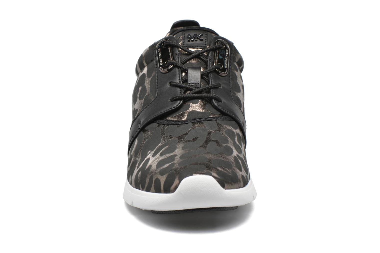 Baskets Michael Michael Kors Amanda Trainer Multicolore vue portées chaussures