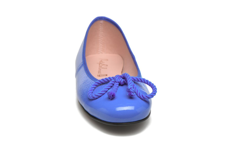Ballerines Pretty Ballerinas Rosario thick lace Bleu vue portées chaussures