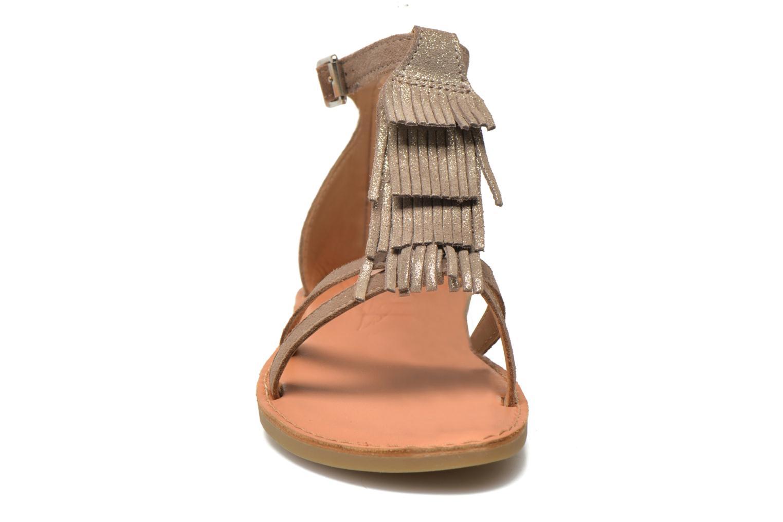 Sandales et nu-pieds Shwik Lazar Fringe Suede Beige vue portées chaussures