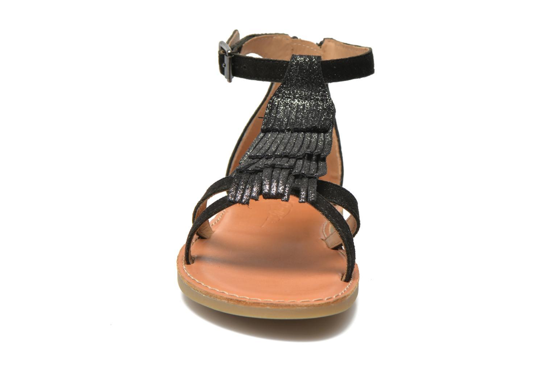 Sandali e scarpe aperte Shwik Lazar Fringe Suede Nero modello indossato