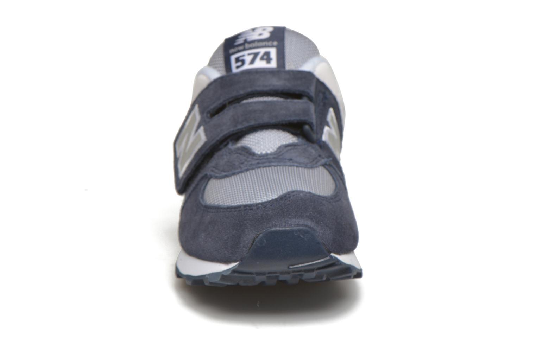 Baskets New Balance KV574 J Bleu vue portées chaussures