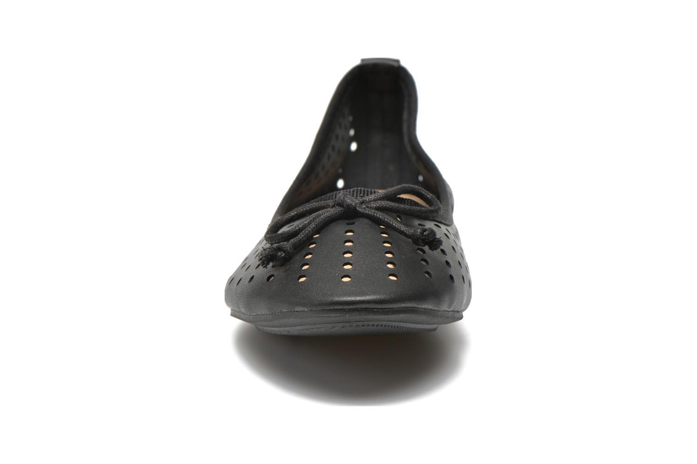 Ballerines Molly Bracken Girly Noir vue portées chaussures